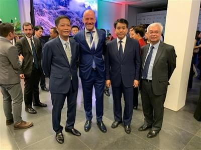 From left to right: Mr. Nguyen Duc Chung (Chairman, Hanoi People's Committee, Vietnam), Mr. Giorgio Donadoni, Comac CEO and Mr. Tran Tuan Ahn (Minister of Industry and Trade of Vietnam).